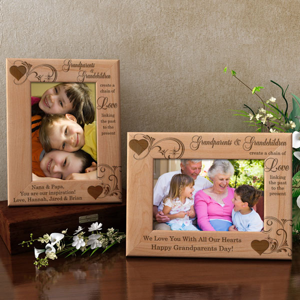 A Chain of Love Wooden Picture Frame