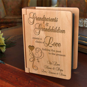 A Chain of Love Wooden Photo Album